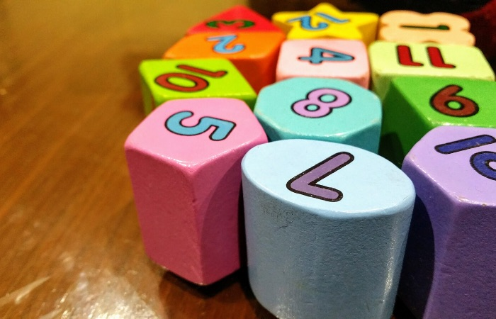 参考:ポットン落としの代用おもちゃ3選