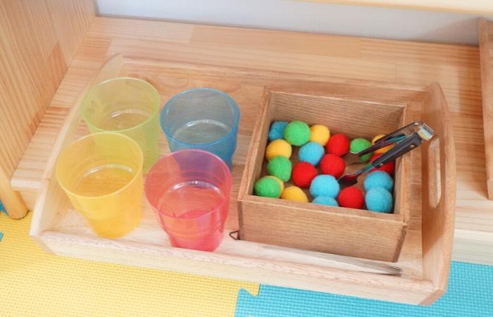 教具例⑫ 色分けのおしごと